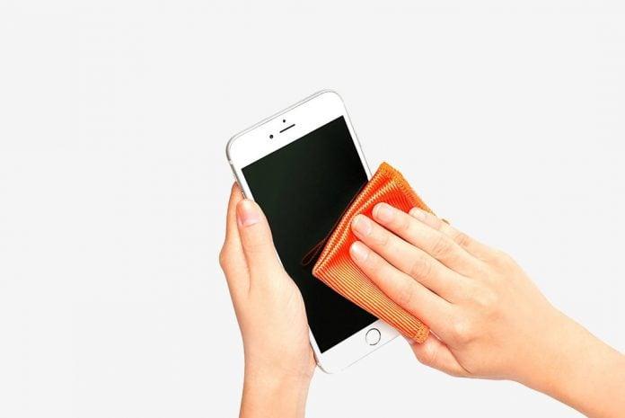 Telefonunuzun ekranını doğru şekilde nasıl temizlersiniz?